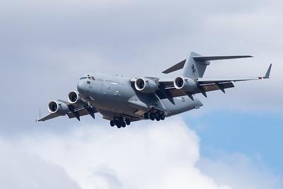 MMPI_20201001_MMPI0063_0025 - Royal Australian Air Force Boeing C-17A Globemaster III A41-210 on approach.
