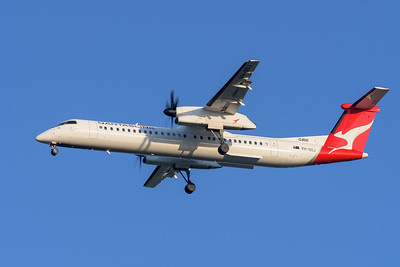 "MMPI_20200322_MMPI0063_0056 - QantasLink Bombardier Q400 VH-QOJ ""Riverina"" as flight QLK723D on approach to Brisbane Airport (YBBN) ex Chinchilla (YCCA)."