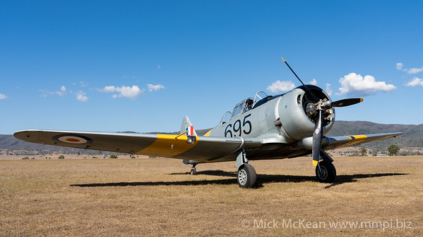 MMPI_20201016_MMPI0075_0095 -  CAC CA-16 Wirraway VH-MFW parked at Red Thunder TFC 2020.