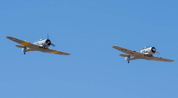 MMPI_20201016_MMPI0075_0021_ME -     CAC CA-16 Wirraway VH-MFW (A20-695) and North American SNJ-5 Texan VH-USN return to the airfield in formation at Red Thunder TFC 2020.