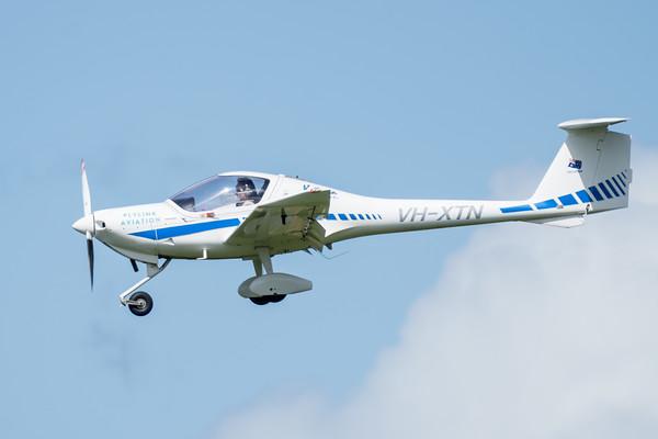_7R49584 - Flylink Aviation Diamond DA20 C1 VH-XTN on approach to Archerfield (YBAF).