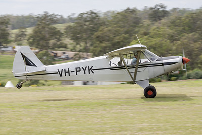 MMPI_20210411_MMPI0078_0077 -  Piper PA-18-150 Super Cub VH-PYK takes off at Auster Meet April 2021.