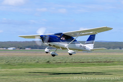 MMPI_20200308_MMPI0065_0189 -  Tecnam P2010 VH-ARQ takes off from 2020 Clifton fly-in.