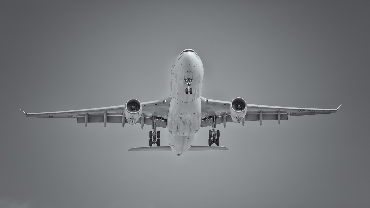 2012 Pic(k) of the week 19: Cleared to land