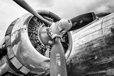 B-17 Engine in Black & White