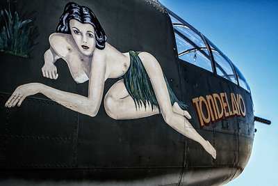 B-25 Tondelayo nose art