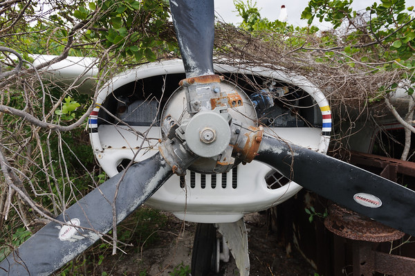 Old disused Aero Commander at Colonel Hill airport, Bahamas