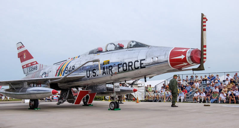 Warbirds in review, F-100