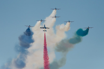 Al Fursan UAE Jet team flying the National colours