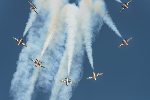 Al Fursan UAE Jet team formation burst