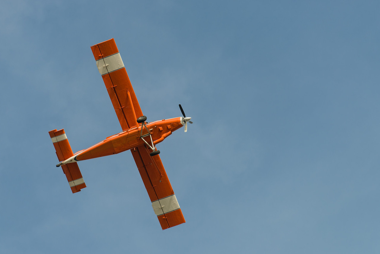 Clay Lacy Pilatus PC-6 Engine out landing