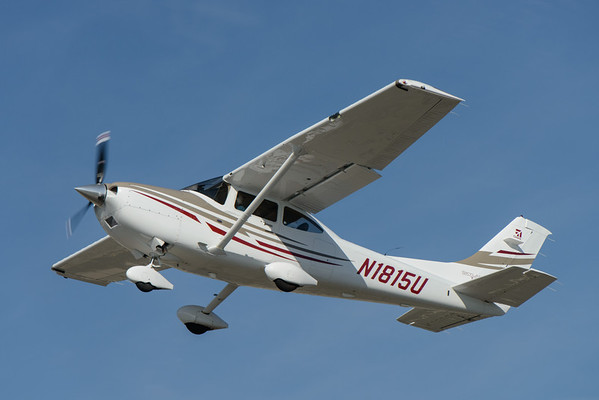 Cessna 182 taking off