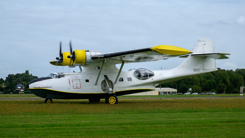 Catalina taxiing in