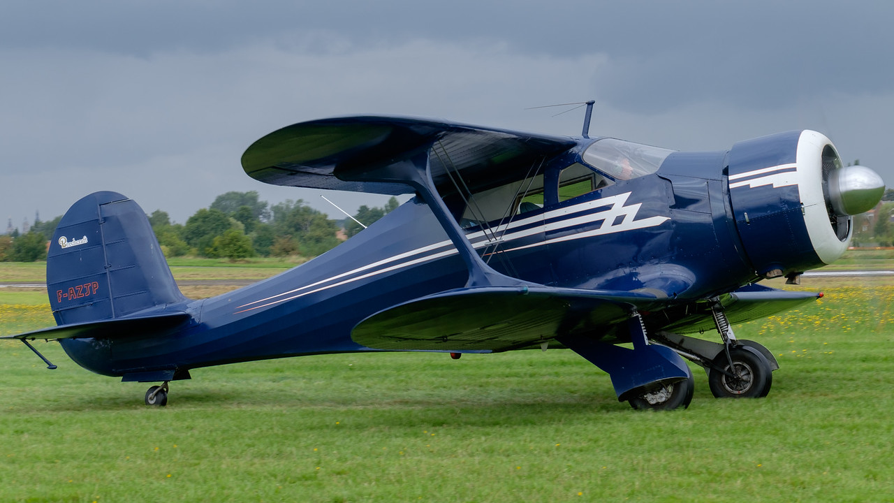 Beech Staggerwing nose view