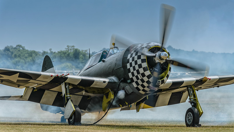 P-47 Thunderbolt starting up