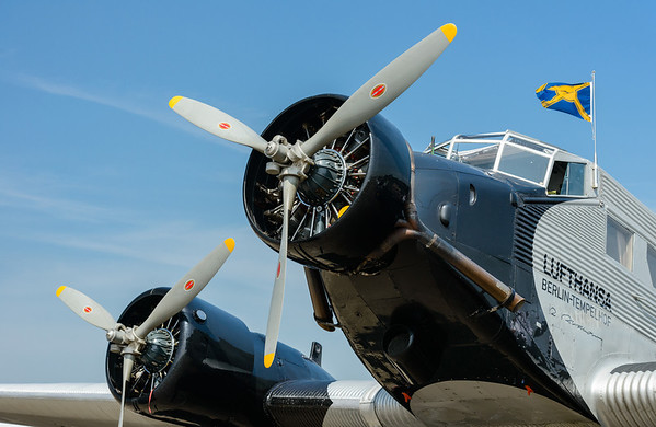Junckers JU-52 Engine 2 & 3