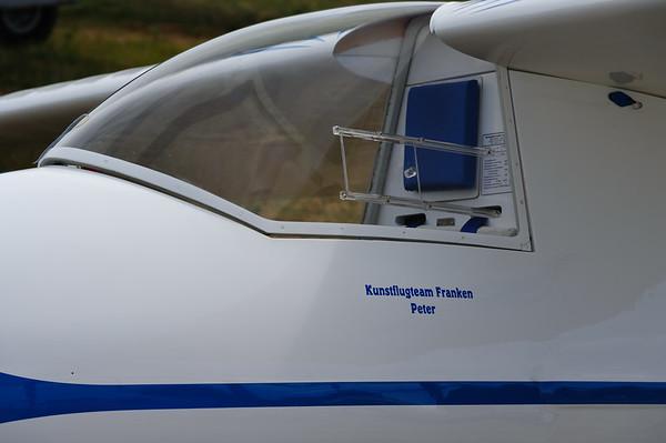 LO-100 Glider team