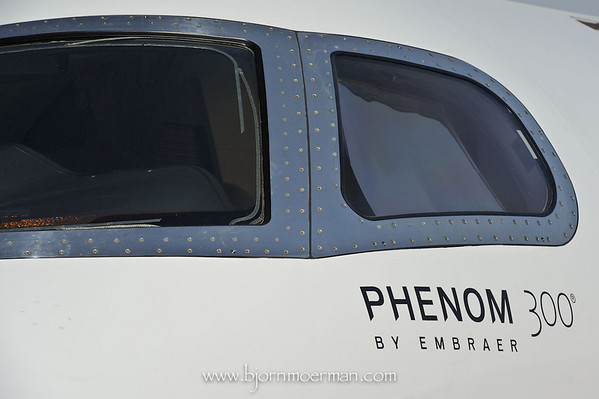 Embraer Phenom 300 windshield detail