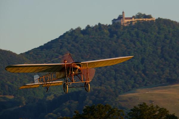 Blériot XI - Thulin A tijdens de landing op Hahnweide, Duitsland