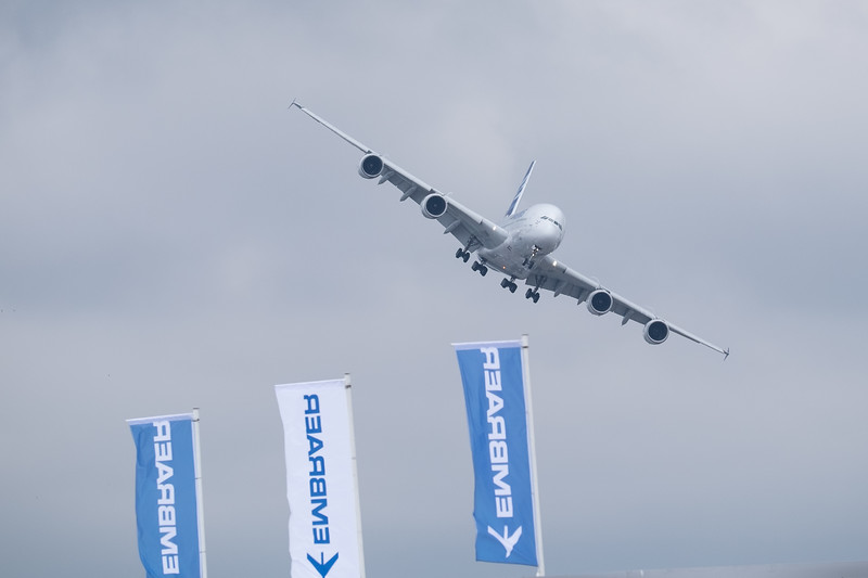 Airbus A380 coming in to land