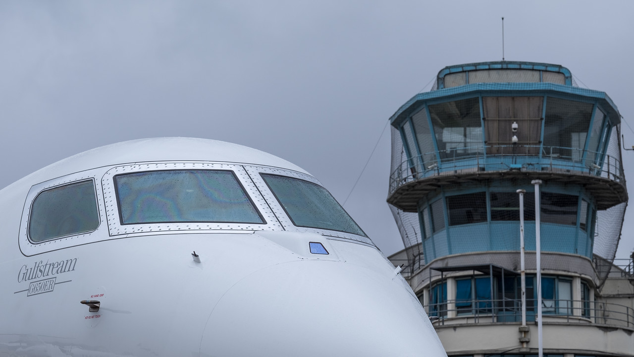 Old and new: Le Bourget control tower and G650 ER