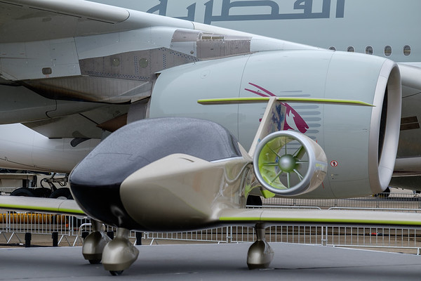 Electical aircraft  mockup in front of A380 engine