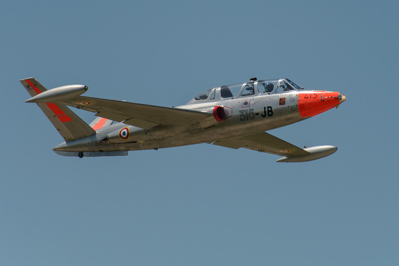 Fouga Magister on take-off