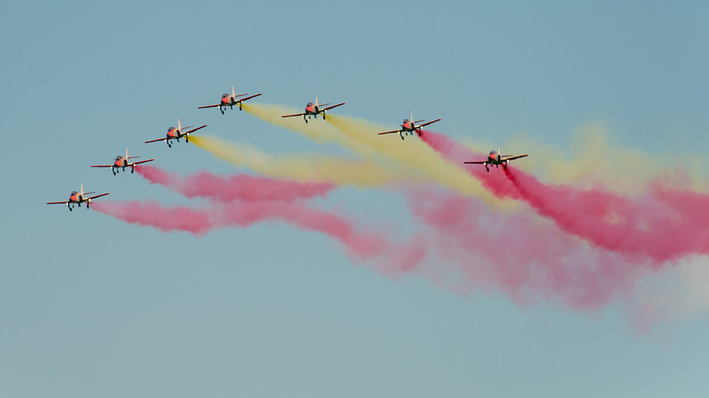 Patrulla Águila flying the Casa 101