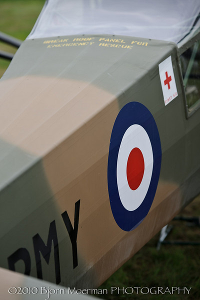 Auster in British Army colors