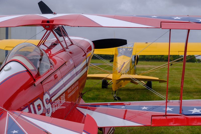Pitts Special S-2C and Piper Super Cub