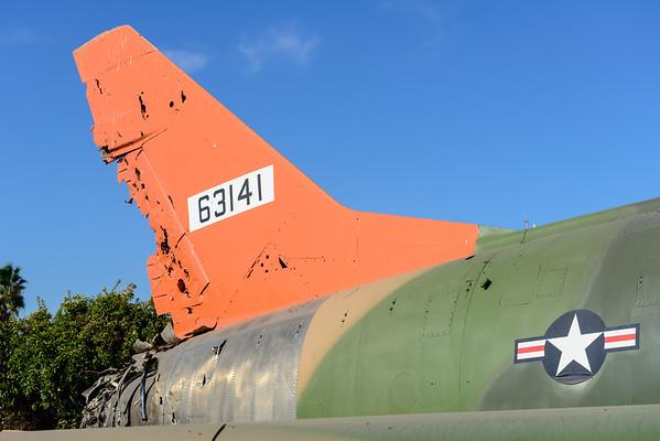 Super Sabre QF-100D