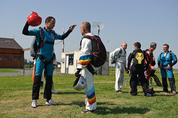 Skydive rehearsal just before boarding