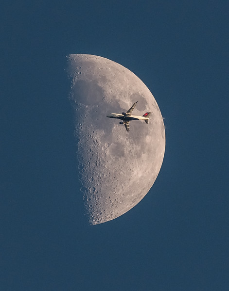 Delta Flight 5870 and Moon