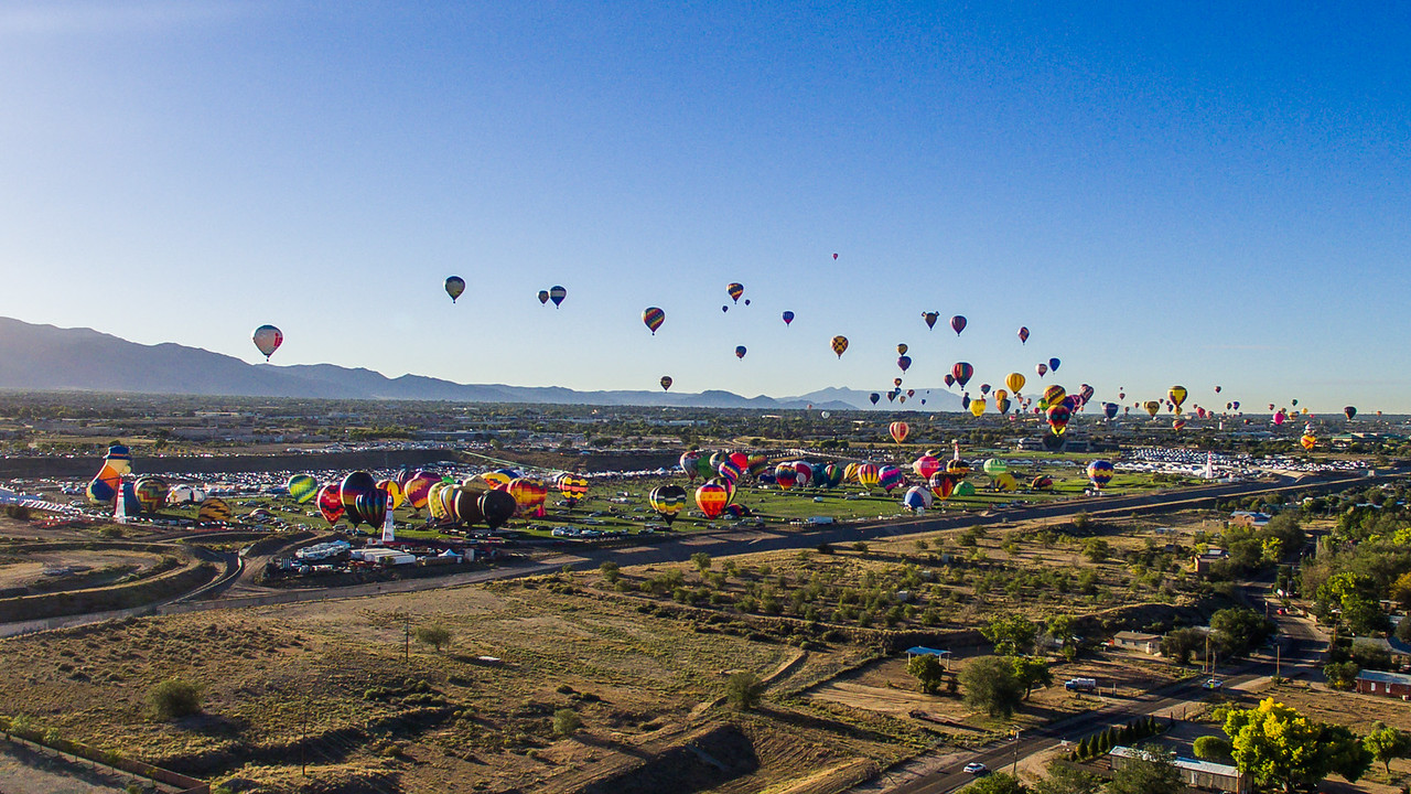 Aerial Mass Ascension at Balloon Fiesta 2016