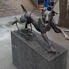 Bikkja i bakken Dog sculpture by Elene Engelsen
