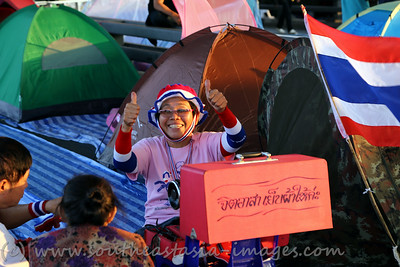 Bangkok Shutdown, Rama VIII Bridge, 18Jan13 (23)