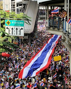 Anti-Government Protests,Silom-Saladaeng-Rama IV, Bankgkok 22Dec13 (2)