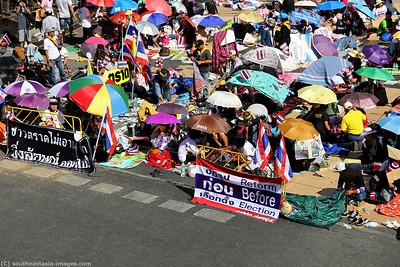 Anti-Government Protests, Asoke-Sukhumvit  13Jan14 (2)
