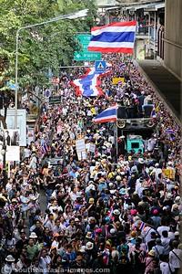 Anti-Government Protests,Silom-Saladaeng-Rama IV, Bankgkok 22Dec13 (1)