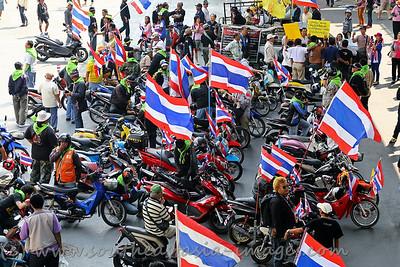 Saladaeng-Silom, 19Jan14 (3)