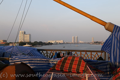 Bangkok Shutdown, Rama VIII Bridge, 18Jan13 (24)