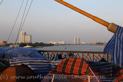 Bangkok Shutdown, Rama VIII Bridge, 18Jan13 (24)