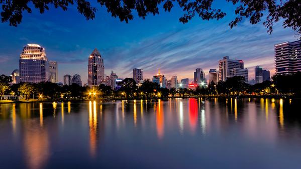 Lumpini Park Dusk Citysape (Silom), Bangkok