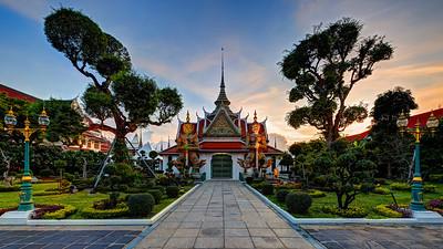 Temple Guardians at Wat Arun (1)