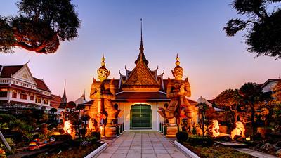 Temple Guardians at Wat Arun (2)