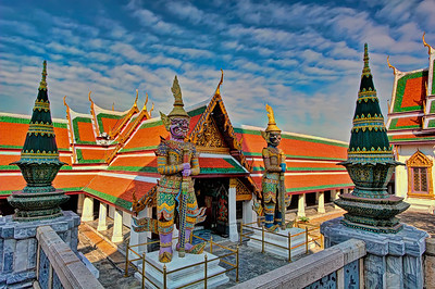 Temple of Emerald Buddha (Guardians at the Main Entrance)