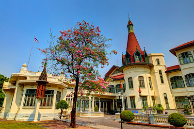 Phya Thai Palace (Exterior) Day