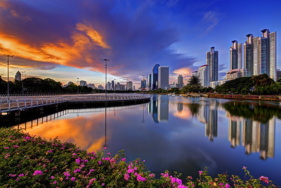 Dusk at Lake Ratchada at Benjakiti Park, Cityscape,  Bangkok (1)