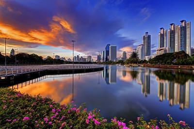 Dusk at Lake Ratchada at Benjakiti Park, Cityscape,  Bangkok (1)
