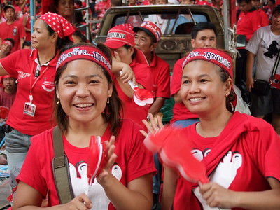 Happy Twosome, Red Shirt Ratchaprasong Occupation Day 1 4 April 2010